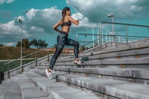 Laufen hat einen professionelleren Aspekt, da es Technik und Ausrüstung beinhaltet