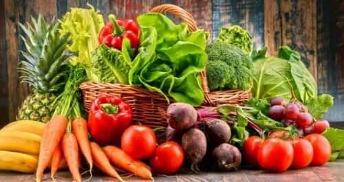 Achte auf eine ballaststoffreiche Ernährung, um Obstipation zu verhindern