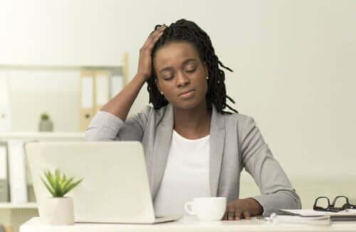 Migräne-Schmerzen reduzieren durch Gua Sha
