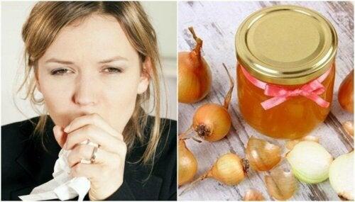 Hausmittel gegen Husten aus Honig und Zwiebel