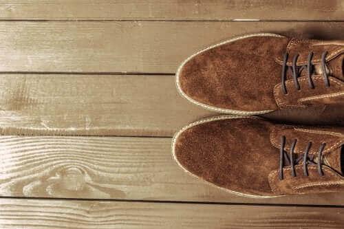 Wildlederschuhe putzen: Nützliche Tipps