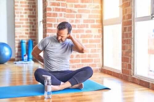 Bandscheibenvorfall: diese 3 Fitnessübungen solltest du vermeiden
