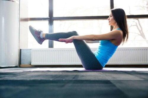 V-Crunches für starke Bauchmuskeln