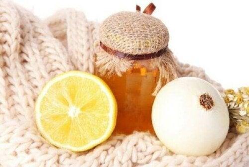 Mischung aus Zwiebel und Honig