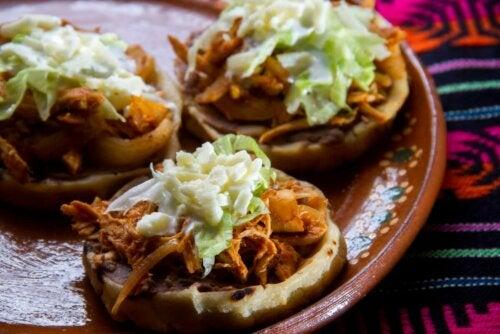 mexikanische Sopes
