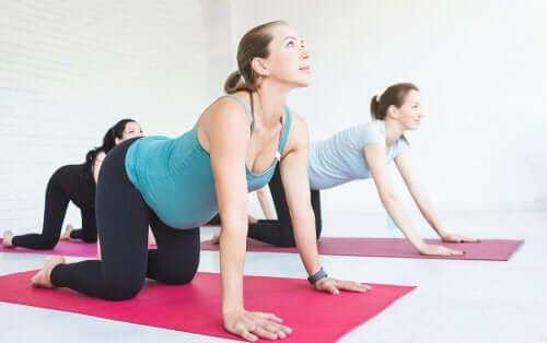 Gymnastik für Schwangere: Hilfreiche Tipps und 3 einfache Übungen