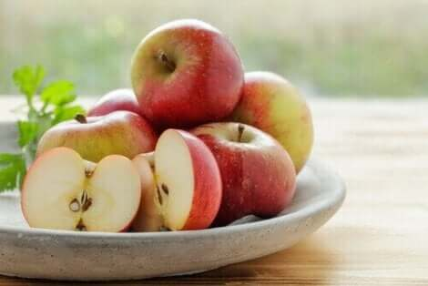 Sodbrennen mithilfe von Äpfeln lindern