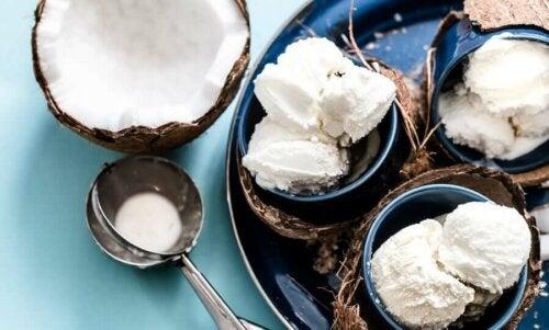 Kokosnussmilch-Eiscreme