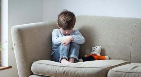 Bindungsstörung des Kindesalters mit Enthemmung