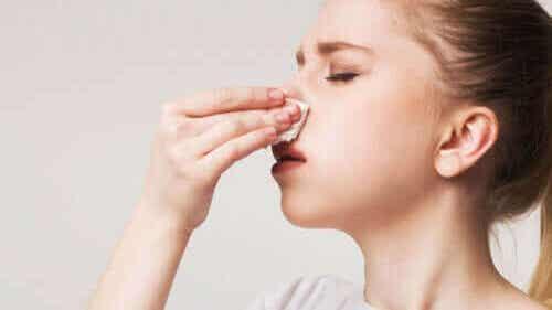 Krusten in der Nase: Diese Hausmittel helfen! - Besser