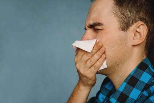 Krusten in der Nase: Diese Hausmittel helfen!
