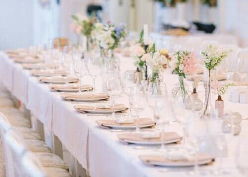 Hochzeitsgästeliste und Tischordnung