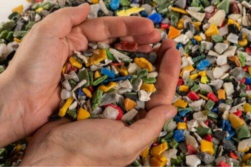 Objekte aus Plastik Mikroplastik