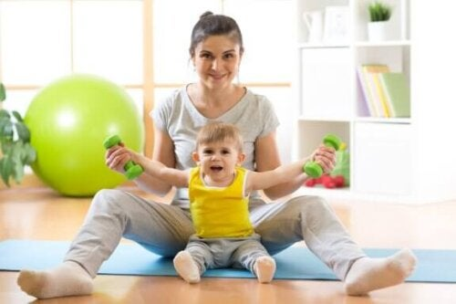 Wie du deinem Baby das Sitzen beibringst