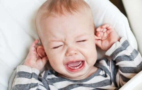Tipps zur Linderung einer Ohrenentzündung bei Babys und Kindern