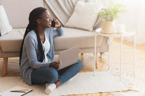 Die Vor- und Nachteile vom Sitzen auf dem Boden
