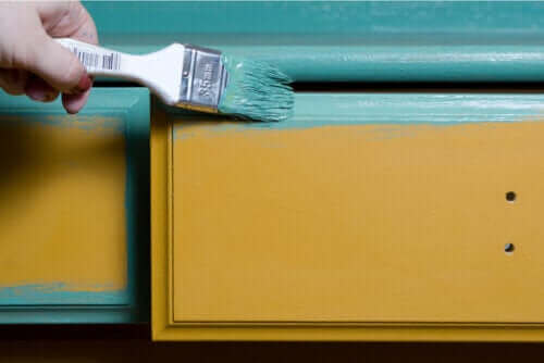 Tipps zum Streichen von Holzmöbeln