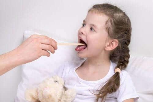 Kehlkopfentzündung bei Kindern: Symptome und Behandlung