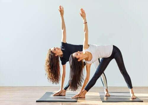 Hilft Yoga gegen Arthrose?