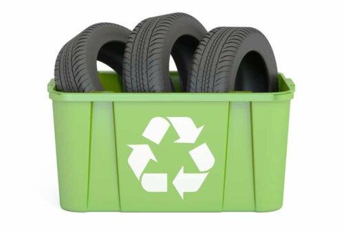 Tierhaus - aus recycelten Reifen
