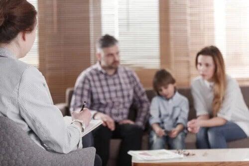 Wann sollte man eine Familientherapie machen?