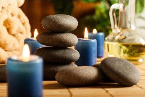 Die Hot Stone Massage verbessert die Durchblutung