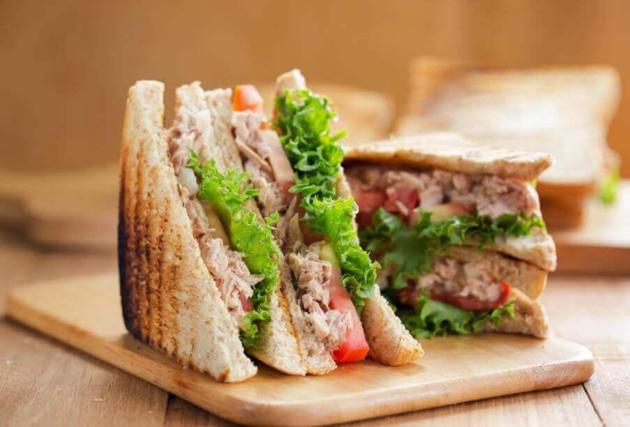 Das klassische Thunfisch-Sandwich