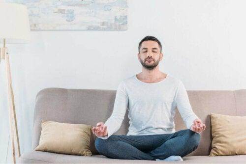 Erfolgreich meditieren: Achte auf die richtige Haltung