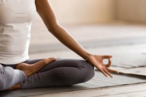 Finde einen ruhigen Ort, um zu meditieren