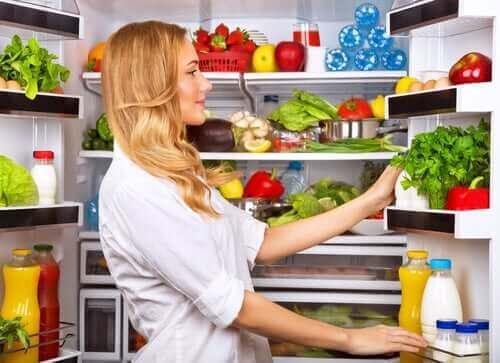 Das richtige Kühlen und Einfrieren von Lebensmitteln verlängert deren Haltbarkeit