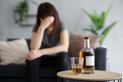 Alkohol auf leeren Magen: Was passiert dabei im Körper?