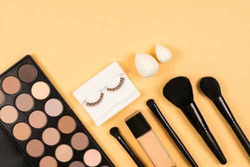 Eine Reihe von Kosmetika