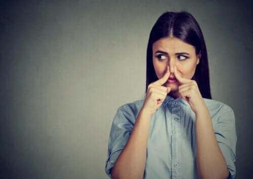 Phantosmie: Wie kommt es zu olfaktorischen Halluzinationen?
