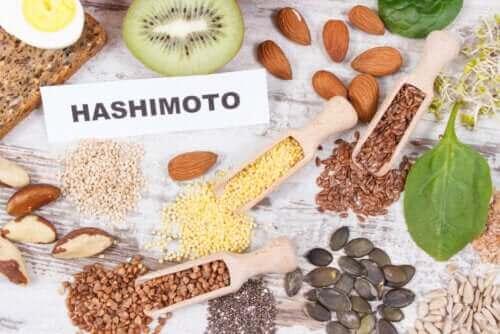 Hashimoto-Diät: Empfohlene und nicht empfohlene Lebensmittel