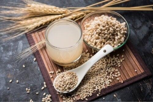 Rezept, Vorteile und Kontraindikationen von Gerstenwasser