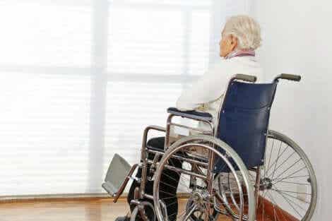 Sterbehilfe - Frau im Rollstuhl