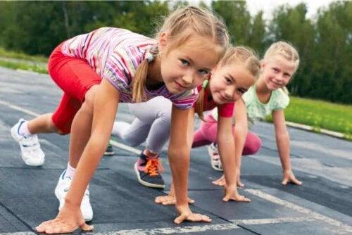 Hypermobilität kann beim Sport oder beim Spielen eines Instruments von Vorteil sein
