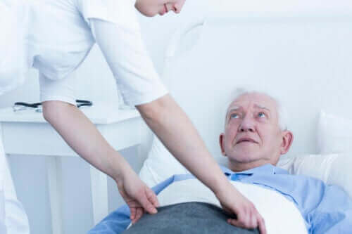 Dekubitus: Verschiedenen Stadien und deren Behandlung