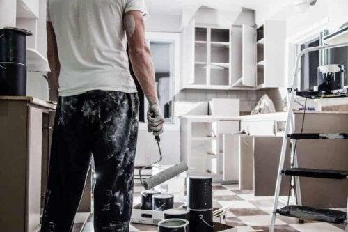 Eine Hausrenovierung sollte gut geplant sein, um Fehler zu vermeiden