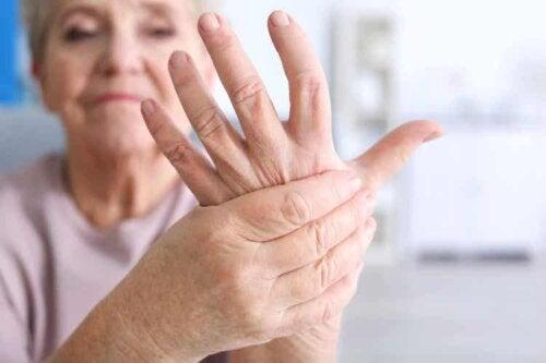 Wahrscheinlich lindert die Pflanze Arthritis-Schmerzen