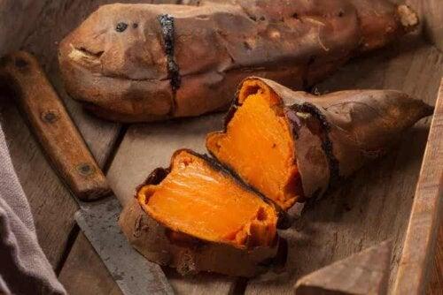 Süßkartoffeln sind ein erlaubtes Lebensmittel der Paleo-Diät