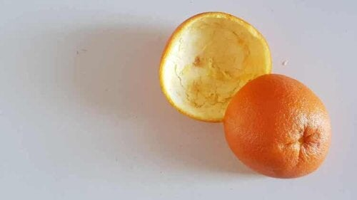 Orangenschalen: eine natürliche Alternative zu chemischen Entfettern