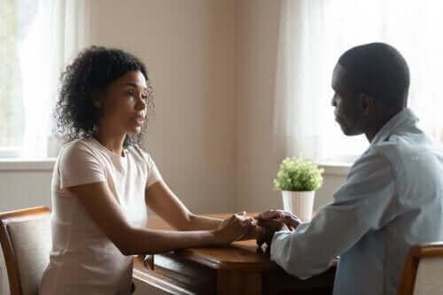 Ehrlich und einfühlsam kommunizieren: 4 Tipps