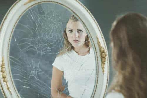 Ein negatives Körperbild und die Auswirkungen auf das Selbstwertgefühl