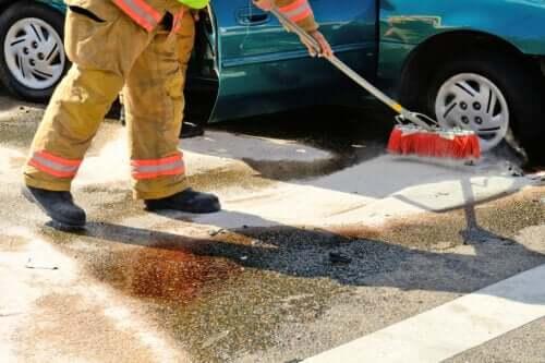 Wie man einen Benzinfleck beseitigt