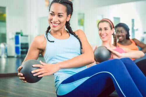 Sind Core-Übungen bei Schmerzen im Lendenwirbelbereich hilfreich?