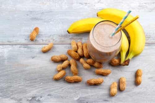 Erdnussbutter-Bananen-Energieshake: Lecker und einfach zubereitet!